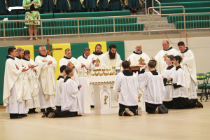 Students encouraged to be grateful at Pastors' Mass